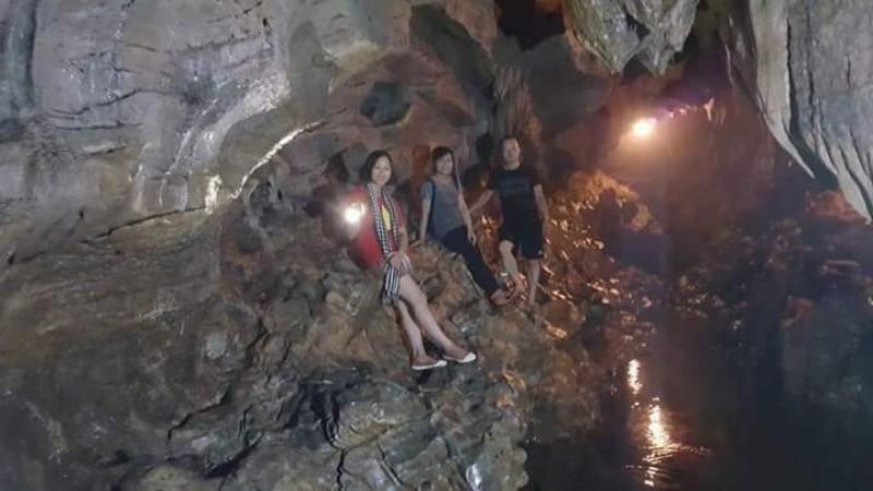 Khám phá hang động đẹp ở Xuân Sơn