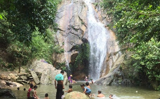 Giá vé thác Chòi Thanh Sơn