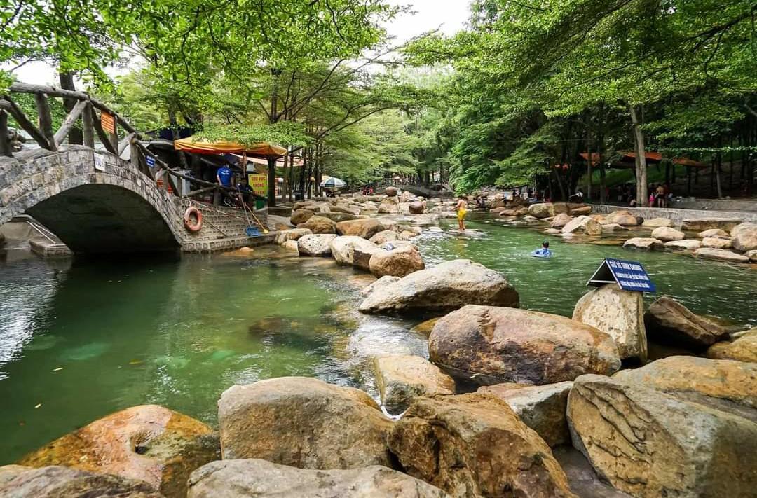 Bãi tắm khu du lịch Thủy Châu