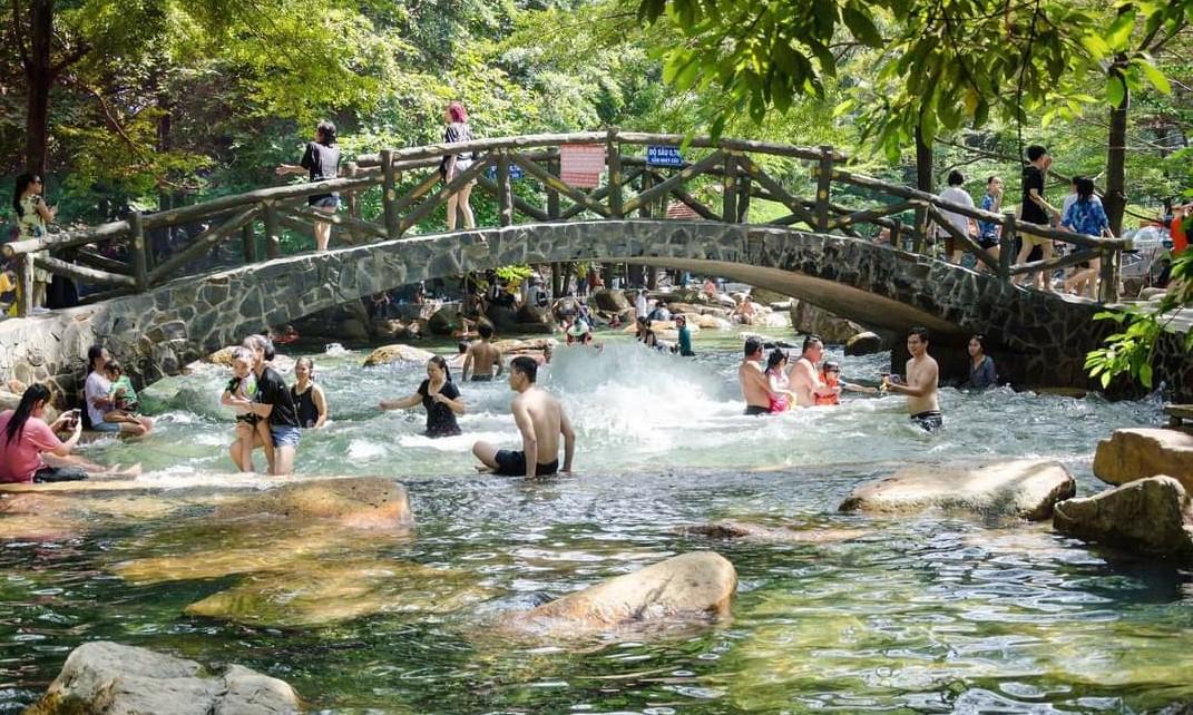 Giá vé khu du lịch Thủy Châu