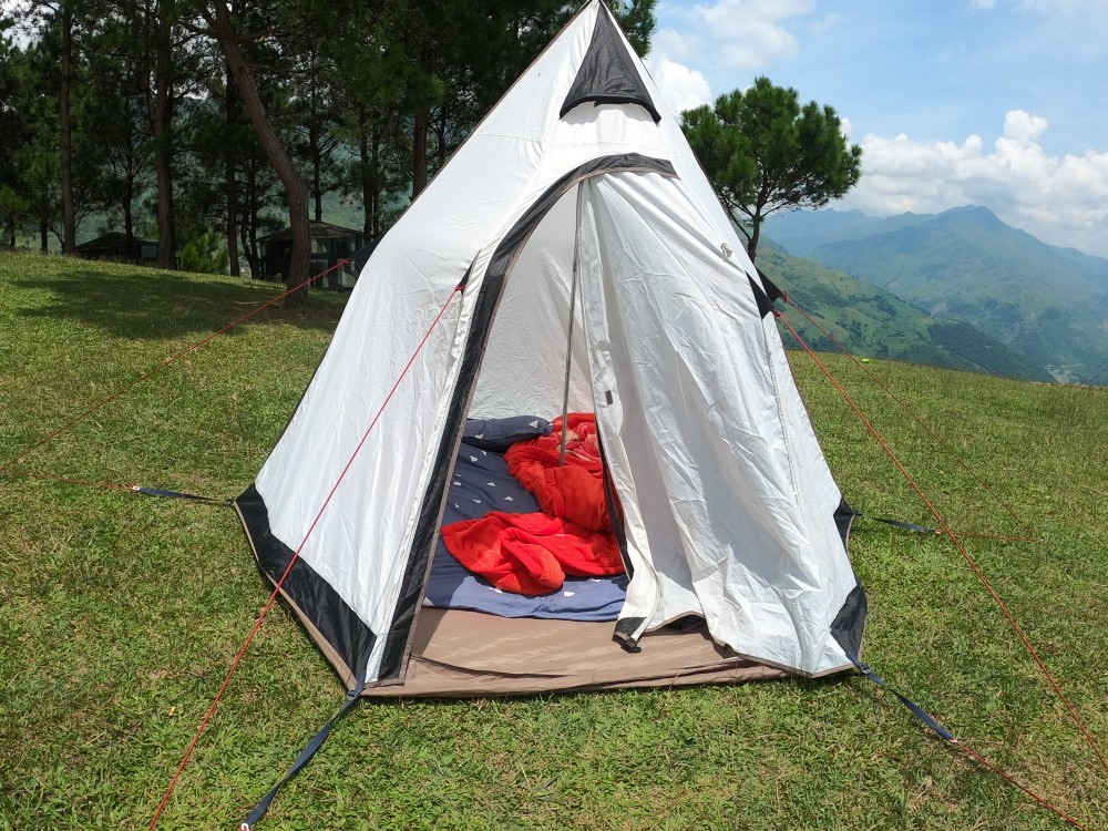 Cắm trại trên đồi Pu Nhi