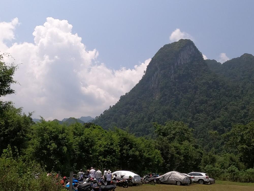 Cảnh quan rừng núi Xuân Sơn