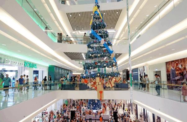 Không khí Noel tại Crescent Mall (Ảnh ST)