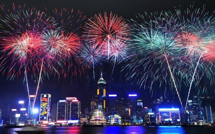 Đêm Giáng sinh ở Hồng Kông là bữa tiệc âm nhạc và ánh sáng rực rỡ. Nguồn: Blog KKday