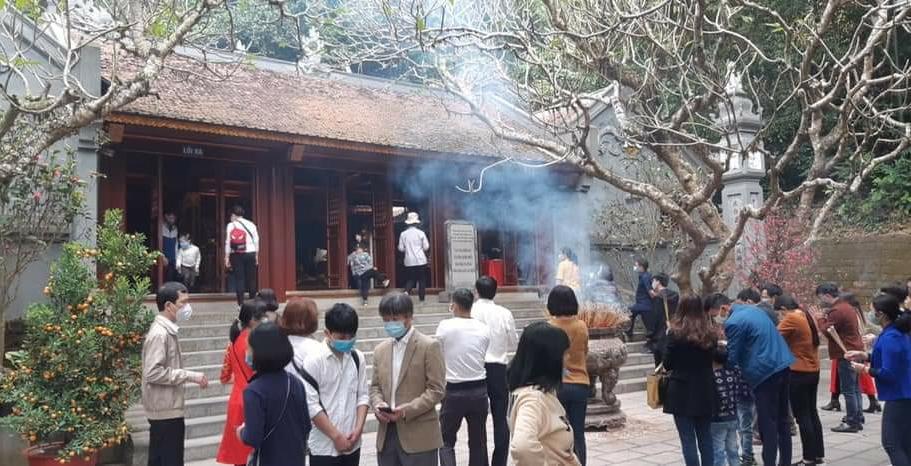 Đền Hùng ngày lễ tết