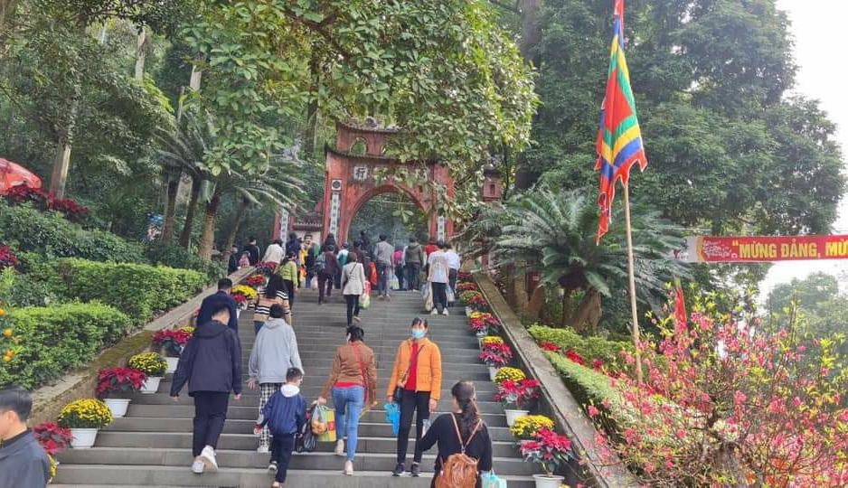 Di tích lịch sử Đền Hùng