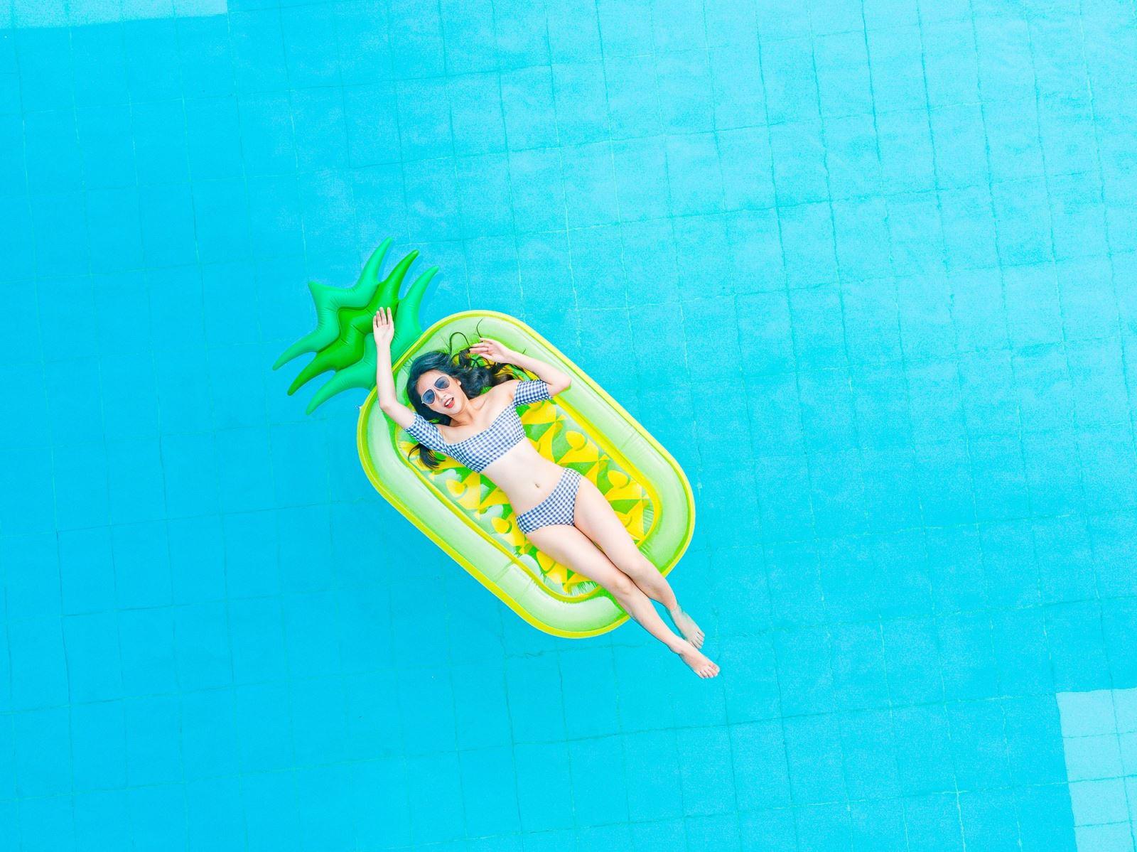 """Bạn có muốn hòa mình vào """"pool party"""" đầy màu sắc như thế này?"""