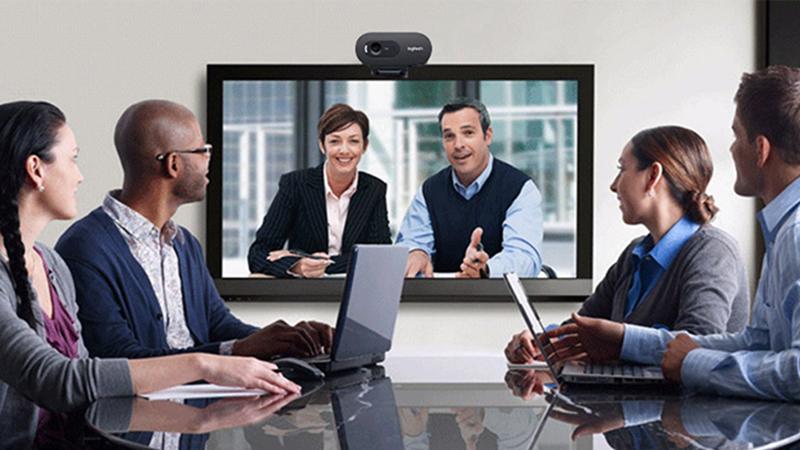 Webcam được dùng như thiết bị liên lạc hình ảnh